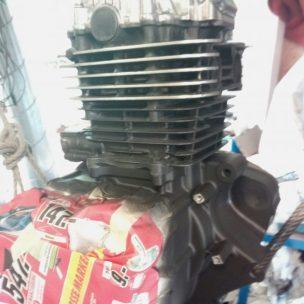 Suzi GN250 Motor lackiert